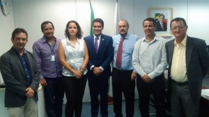Da esquerda para a direita: Geraldo de Almeida, Ismar Roberto, Sonia Batista, Newton Cardoso Jr, Murilo Valadares, Julvan Lacerda e Juarez de Castro.