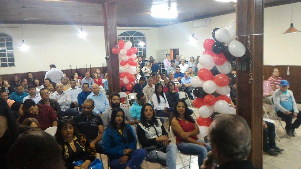 A convenção foi realizada no salão do Lions Club, na noite desta quinta.