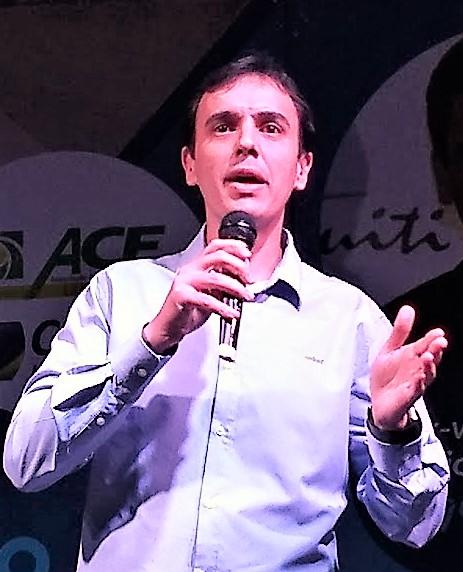 Cristiano Lopes, representando a Una Bom Despacho